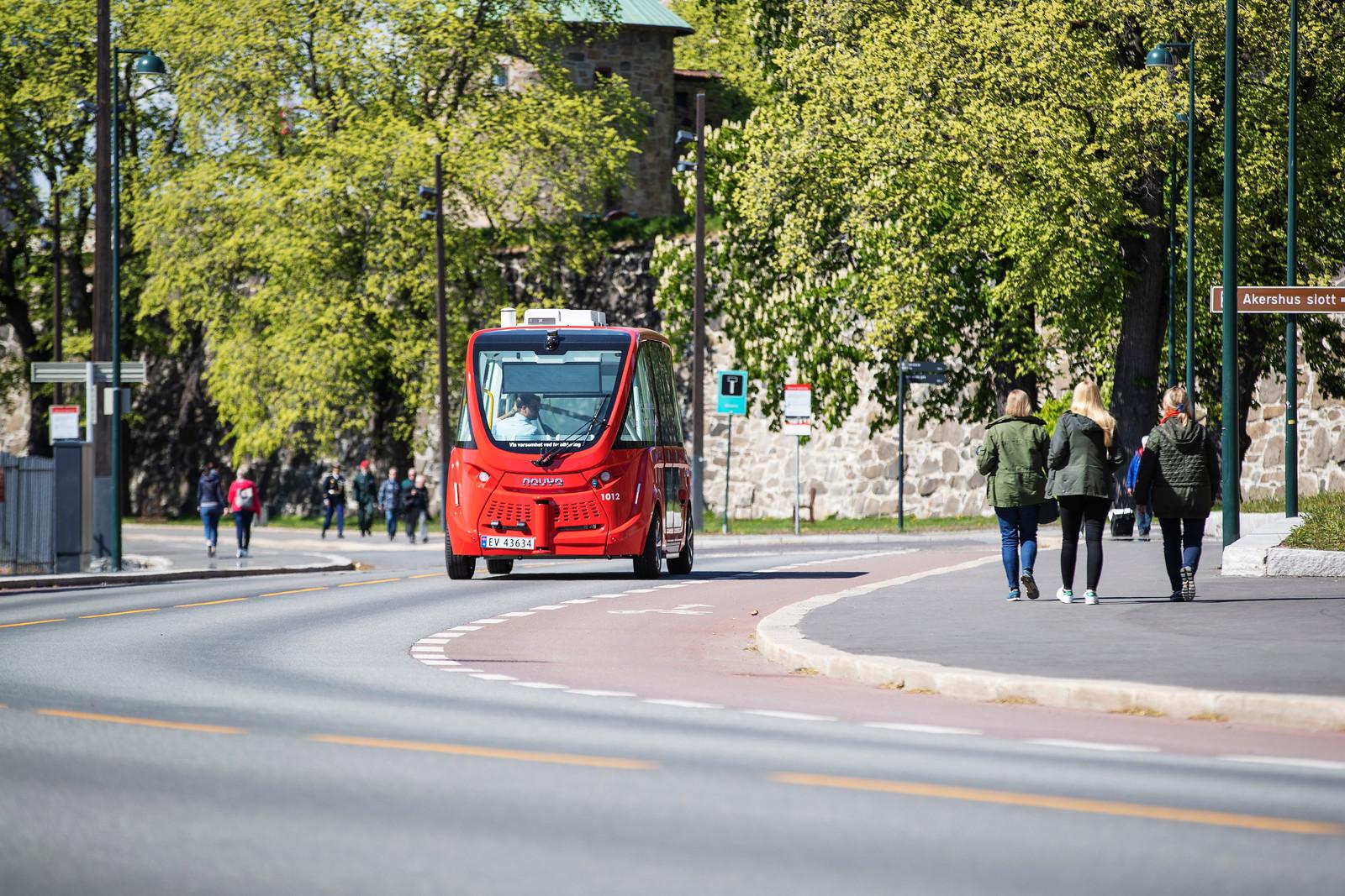 Foto av selvkjørende buss